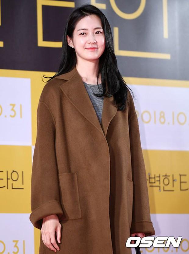 Bạn gái G-Dragon đẹp xuất sắc bên Ha Ji Won và dàn chị đại, nhưng sao nhí này mới là người chiếm spotlight - Ảnh 16.