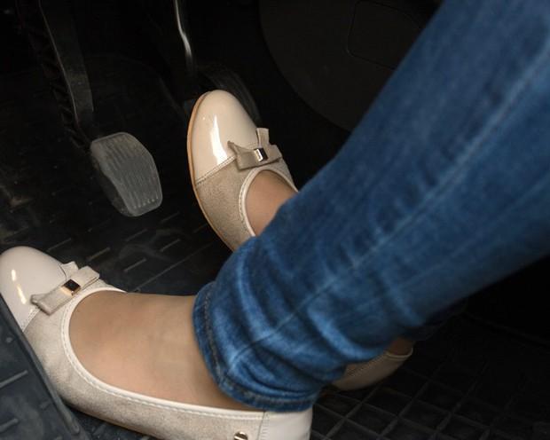 Tại sao giày cao gót lại là thủ phạm gây ra những vụ tai nạn thương tâm trên đường phố? - Ảnh 5.