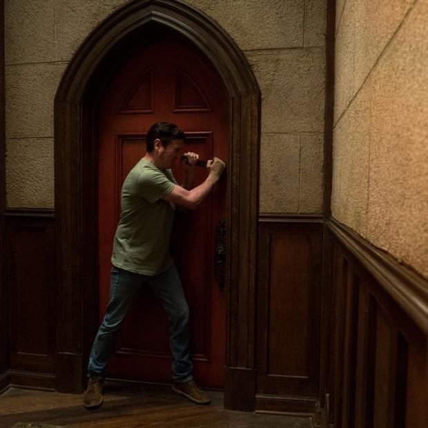 Thách bạn ngủ ngon với 12 cảnh rùng rợn nhất từ The Haunting of Hill House - cực phẩm kinh dị nhà Netflix (Phần cuối) - Ảnh 9.