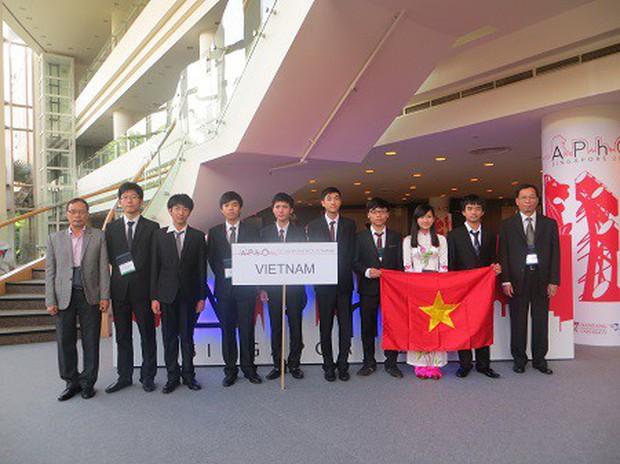 Những ngôi trường cấp 3 siêu giỏi ở miền Trung: Trường toàn HCV Olympic Quốc tế, trường có rất nhiều thủ khoa đại học - Ảnh 2.