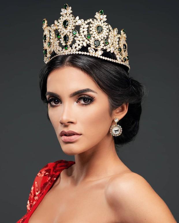 Tân Hoa hậu Hoà Bình ngất xỉu: Đẹp tựa nữ thần Hy Lạp