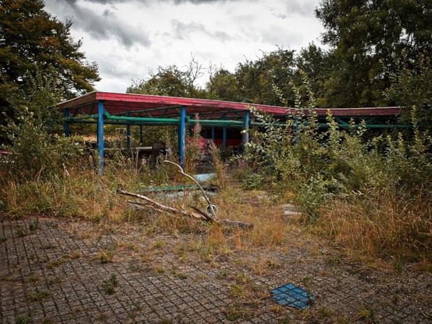 Cảnh hoang tàn đầy ma mị như phim kinh dị của công viên nước bị chìm vào quên lãng suốt 12 năm vì phá sản - Ảnh 23.