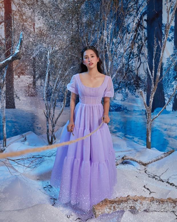 Hoa hậu Tiểu Vy xinh như công chúa trong buổi ra mắt Kẹp Hạt Dẻ và Bốn Vương Quốc - Ảnh 12.