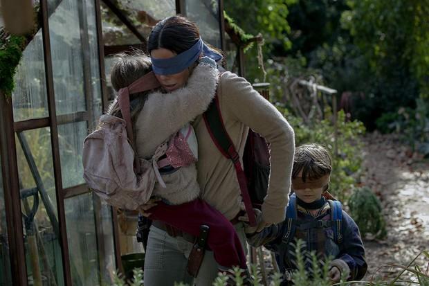 Trailer Bird Box vừa tung bị phát hiện giống tác phẩm kinh dị từng gây sốt A Quiet Place đến khó tin - Ảnh 3.