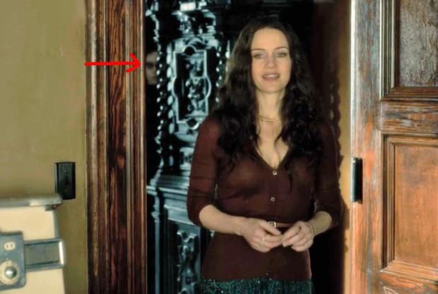 Căng cả mắt để đếm ma trong phim siêu kinh dị The Haunting of Hill House - Ảnh 4.