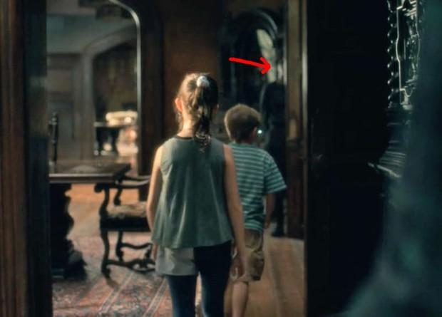Căng cả mắt để đếm ma trong phim siêu kinh dị The Haunting of Hill House - Ảnh 8.