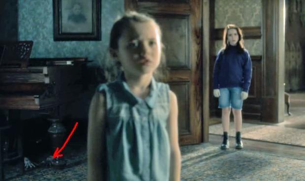 Căng cả mắt để đếm ma trong phim siêu kinh dị The Haunting of Hill House - Ảnh 19.