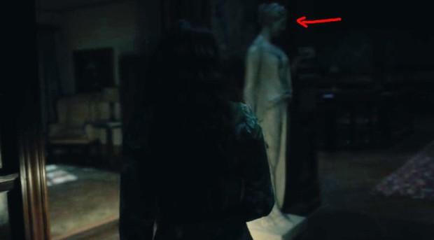 Căng cả mắt để đếm ma trong phim siêu kinh dị The Haunting of Hill House - Ảnh 22.