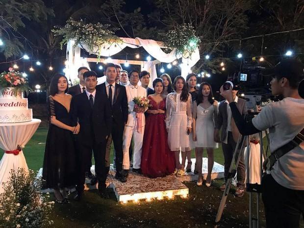 Lộ cảnh đám cưới Hậu duệ mặt trời bản Việt: Khả Ngân rất đẹp nhưng thứ khó hiểu nhất lại ở... chân cô! - Ảnh 2.