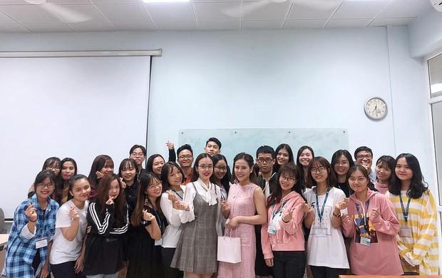 CLB sinh viên quy tụ toàn trai xinh gái đẹp, đào tạo rất nhiều gương mặt MC quen thuộc cho VTV, VTC - Ảnh 13.