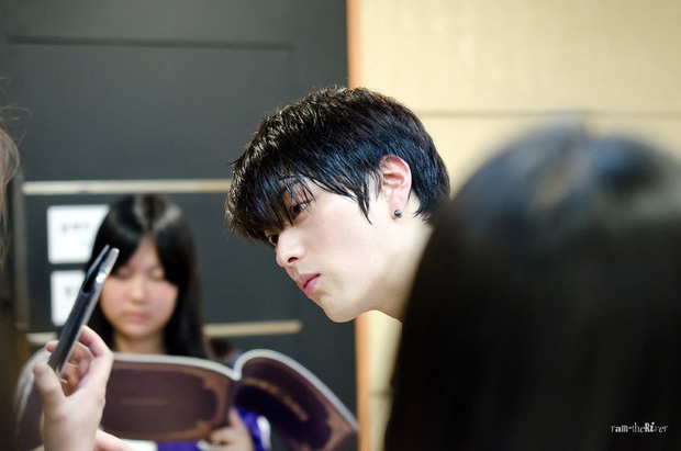 Dậy sóng vì chồng cũ đẹp trai như idol của Song Hye Kyo: U40 mà hack tuổi khó tin, mỗi tội đã có vợ được 4 năm - Ảnh 15.