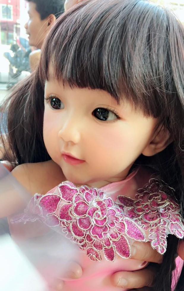 Bé gái có gương mặt xinh như búp bê Barbie trở thành ngôi sao MXH Thái Lan - Ảnh 8.