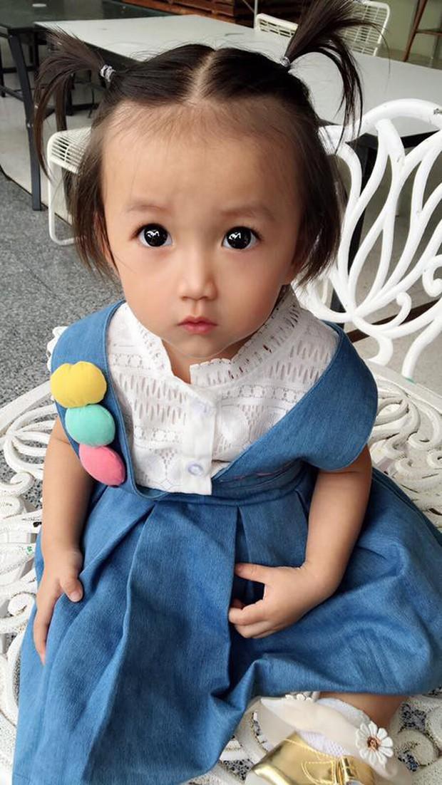 Bé gái có gương mặt xinh như búp bê Barbie trở thành ngôi sao MXH Thái Lan - Ảnh 9.