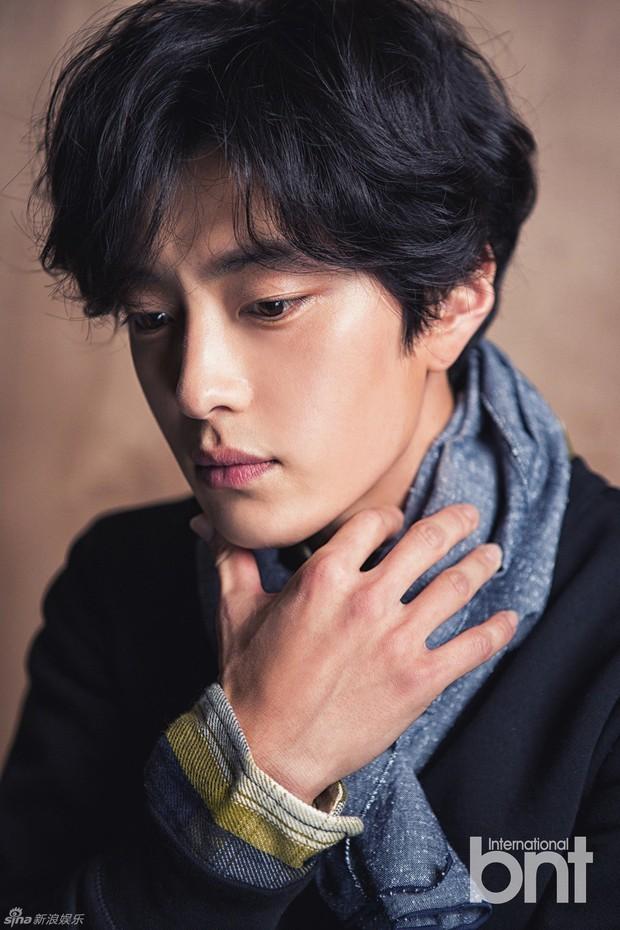 Dậy sóng vì chồng cũ đẹp trai như idol của Song Hye Kyo: U40 mà hack tuổi khó tin, mỗi tội đã có vợ được 4 năm - Ảnh 3.