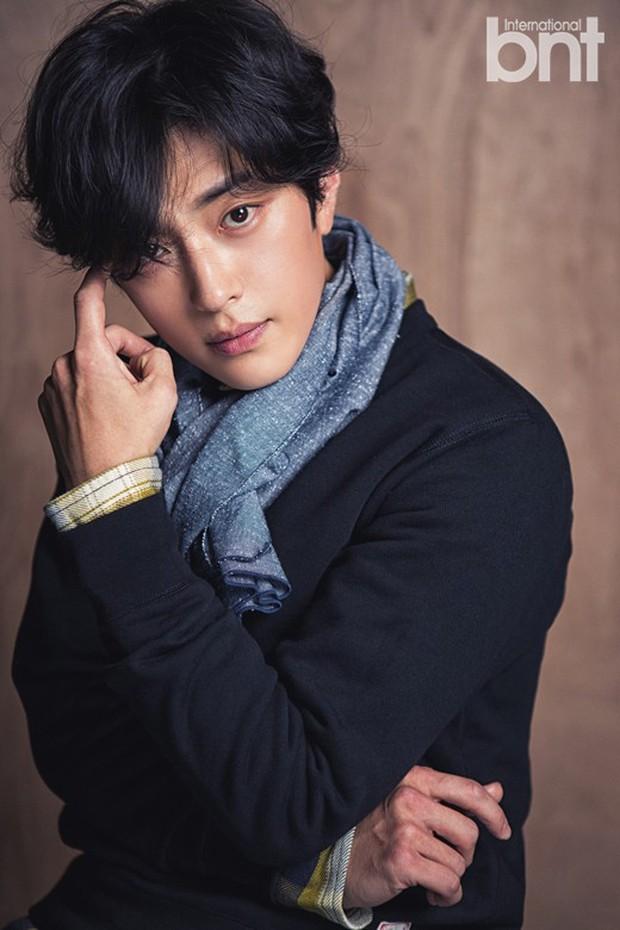 Dậy sóng vì chồng cũ đẹp trai như idol của Song Hye Kyo: U40 mà hack tuổi khó tin, mỗi tội đã có vợ được 4 năm - Ảnh 2.