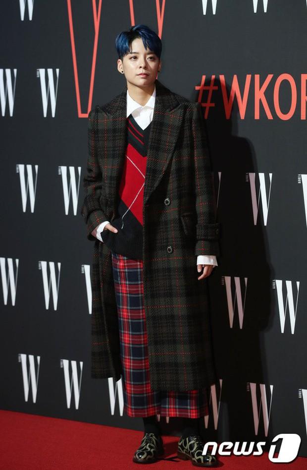 Siêu sự kiện hội tụ 40 sao hạng A: Lee Dong Wook quá xuất sắc, Kim Hee Sun, SNSD dẫn đầu đoàn mỹ nhân mặc thảm họa - Ảnh 22.