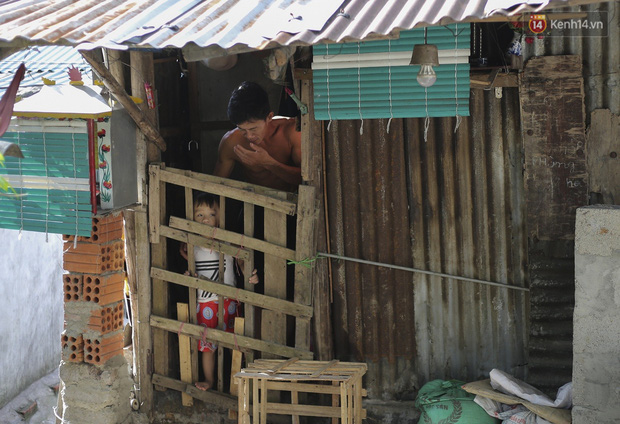 Chùm ảnh: Khu ổ chuột của hơn 15.000 người sống treo trên di sản thế giới ở Kinh thành Huế - Ảnh 15.