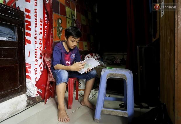 Chùm ảnh: Khu ổ chuột của hơn 15.000 người sống treo trên di sản thế giới ở Kinh thành Huế - Ảnh 14.