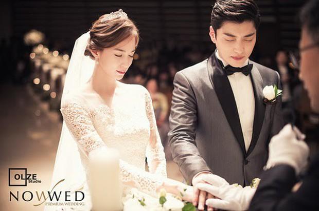 Dậy sóng vì chồng cũ đẹp trai như idol của Song Hye Kyo: U40 mà hack tuổi khó tin, mỗi tội đã có vợ được 4 năm - Ảnh 17.