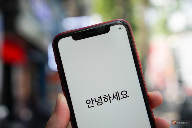 May mà iPhone XR chạy iOS và mang logo Táo, chứ chạy Android thì 24 triệu ai mua hả giời? - Ảnh 2.