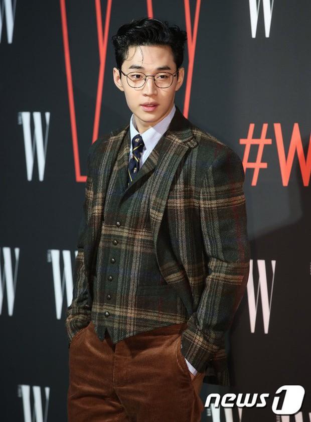 Siêu sự kiện hội tụ 40 sao hạng A: Lee Dong Wook quá xuất sắc, Kim Hee Sun, SNSD dẫn đầu đoàn mỹ nhân mặc thảm họa - Ảnh 25.