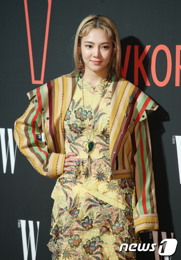 Siêu sự kiện hội tụ 40 sao hạng A: Lee Dong Wook quá xuất sắc, Kim Hee Sun, SNSD dẫn đầu đoàn mỹ nhân mặc thảm họa - Ảnh 11.