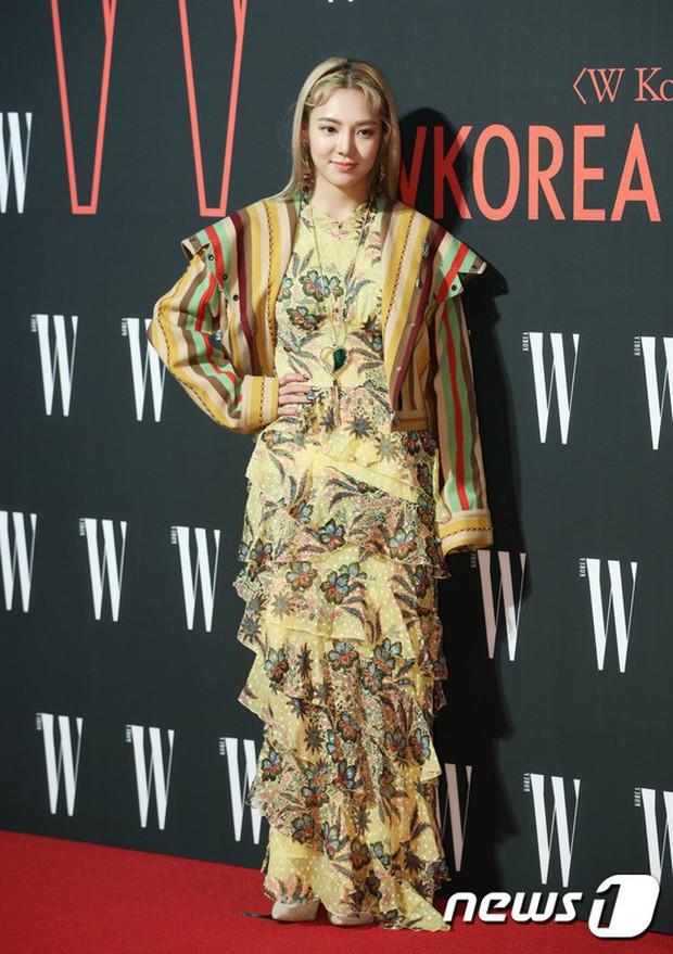 Siêu sự kiện hội tụ 40 sao hạng A: Lee Dong Wook quá xuất sắc, Kim Hee Sun, SNSD dẫn đầu đoàn mỹ nhân mặc thảm họa - Ảnh 10.