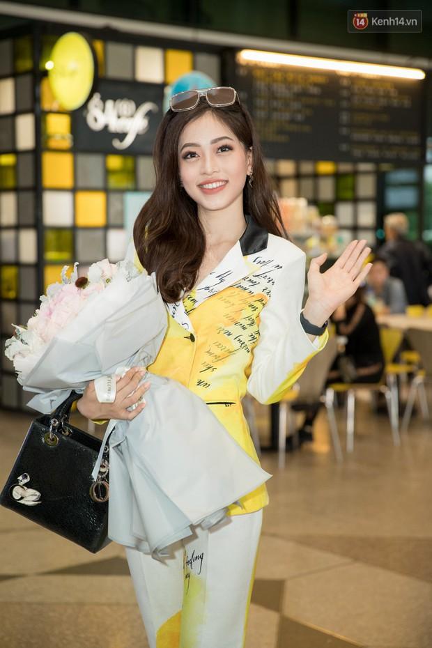 Hoa hậu Tiểu Vy ra tận sân bay đón Phương Nga trở về nước sau hành trình tại Miss Grand International 2018 - Ảnh 2.