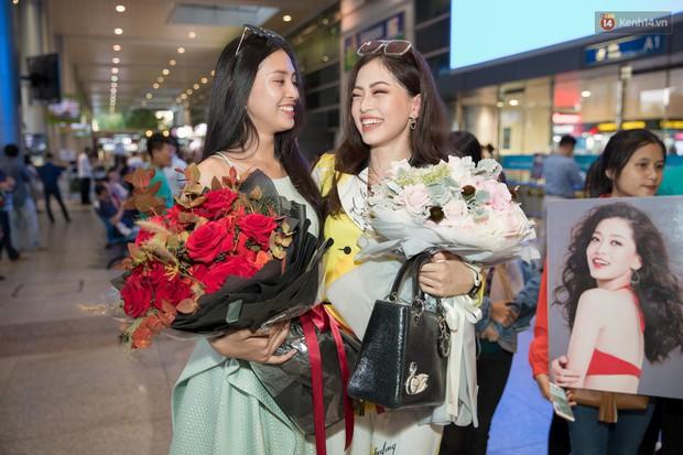 Hoa hậu Tiểu Vy ra tận sân bay đón Phương Nga trở về nước sau hành trình tại Miss Grand International 2018 - Ảnh 11.