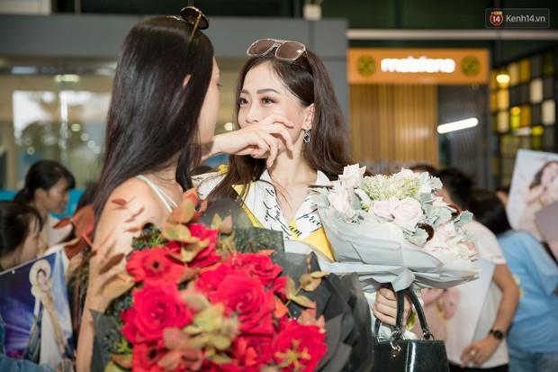 Hoa hậu Tiểu Vy ra tận sân bay đón Phương Nga trở về nước sau hành trình tại Miss Grand International 2018 - Ảnh 10.