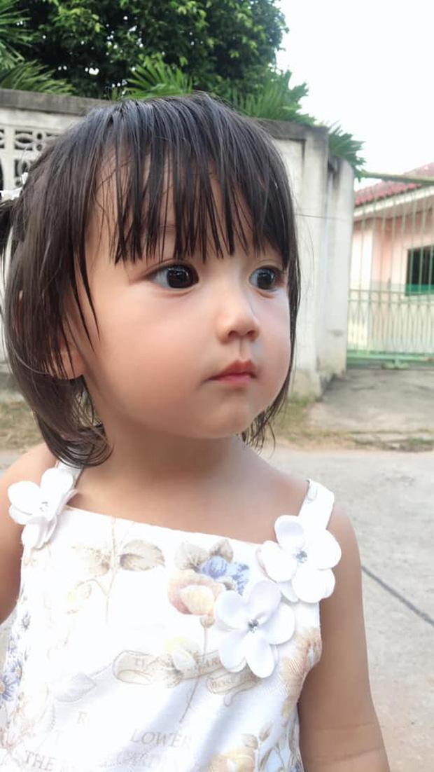 Bé gái có gương mặt xinh như búp bê Barbie trở thành ngôi sao MXH Thái Lan - Ảnh 7.