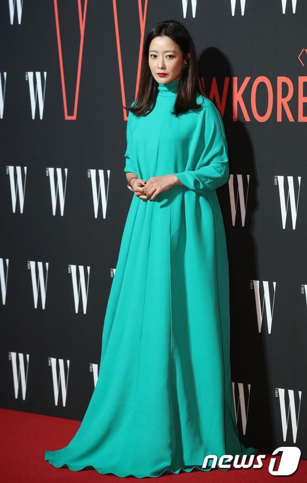 Siêu sự kiện hội tụ 40 sao hạng A: Lee Dong Wook quá xuất sắc, Kim Hee Sun, SNSD dẫn đầu đoàn mỹ nhân mặc thảm họa - Ảnh 7.