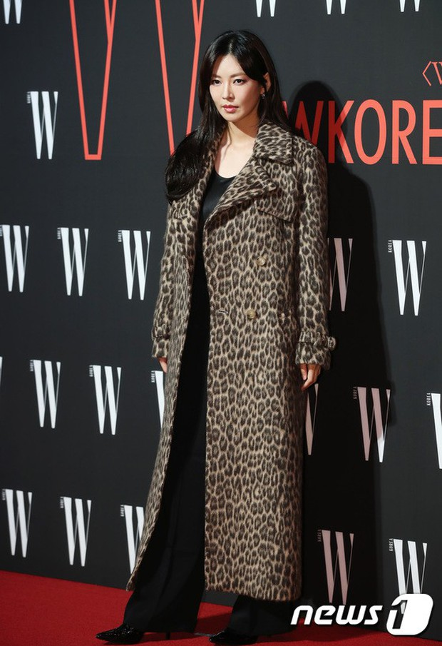Siêu sự kiện hội tụ 40 sao hạng A: Lee Dong Wook quá xuất sắc, Kim Hee Sun, SNSD dẫn đầu đoàn mỹ nhân mặc thảm họa - Ảnh 29.