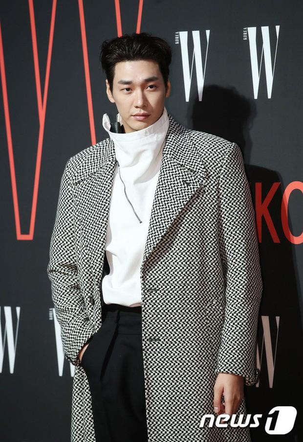 Siêu sự kiện hội tụ 40 sao hạng A: Lee Dong Wook quá xuất sắc, Kim Hee Sun, SNSD dẫn đầu đoàn mỹ nhân mặc thảm họa - Ảnh 30.