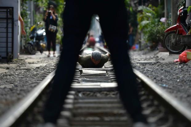 Tuyến đường sắt Hà Nội hot trên báo nước ngoài - Ảnh 5.