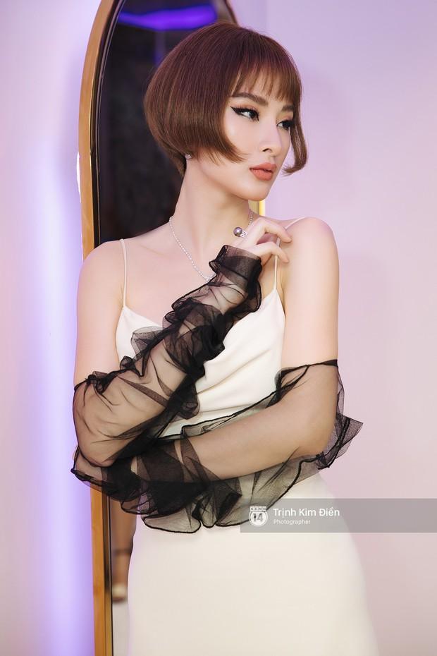 Tóc đều ngắn và váy đều đẹp, thế nhưng HHen Niê lại dưới cơ Angela Phương Trinh hoàn toàn khi đụng hàng - Ảnh 3.