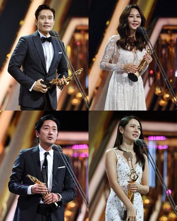 The Seoul Awards 2018: Thử Thách Thần Chết và cặp đôi Chị Đẹp bội thu giải thưởng - Ảnh 2.