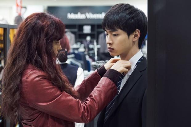 Tháng 11 phòng vé Hàn Quốc chào đón Yoo Ah In và Kim Hye Soo- Ảnh 10.