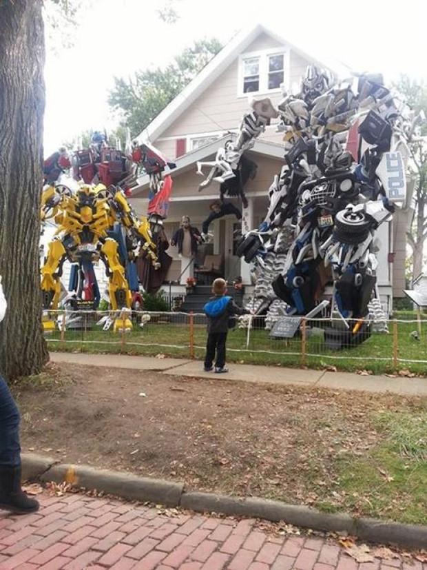 20 cách trang trí nhà cửa dịp Halloween khiến bọn trẻ phải khóc thét khi đến xin kẹo - Ảnh 11.