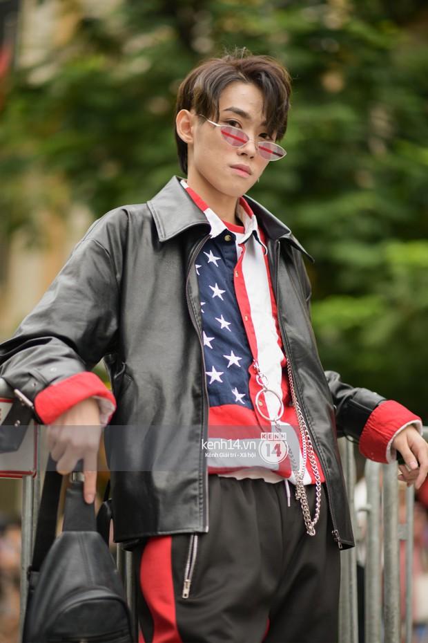 Street style ngày cuối VIFW: giới trẻ lên đồ đơn giản với độ ứng dụng cao hơn, các nhóc tì tiếp tục tranh spotlight - Ảnh 7.