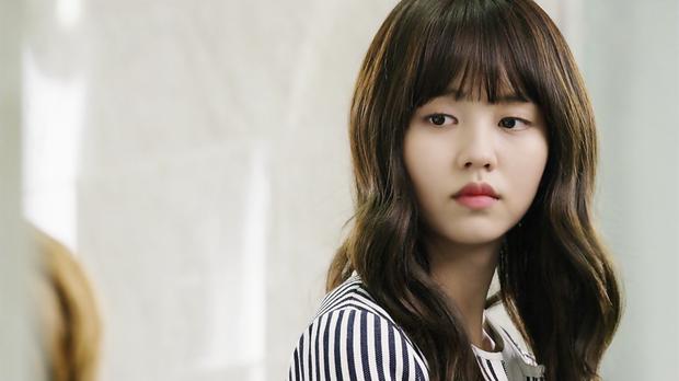4 vai nữ sinh ấn tượng nhất của nữ thần phim học đường Kim So Hyun - Ảnh 5.