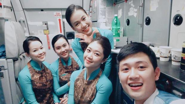 Đã đẹp lại còn giỏi, cựu sinh viên Bách Khoa trở thành tiếp viên hàng không với cuộc sống như mơ - Ảnh 2.