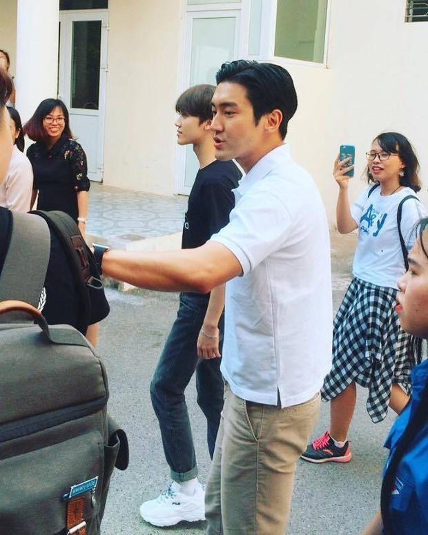 Choi Siwon đang ở trường Cao đẳng Sư phạm Trung Ương Hà Nội - Ảnh 1.