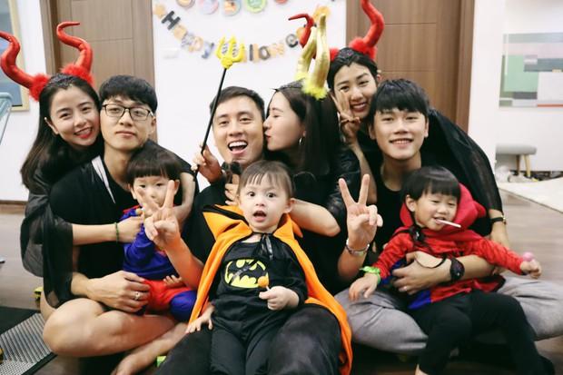 Halloween cập bến 3 gia đình hot nhất MXH: Xoài - Cam - Đậu biến hoá thành những siêu anh hùng dễ thương - Ảnh 1.