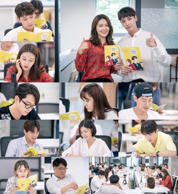 Bạn trai Park Shin Hye hoá fanboy quốc dân, cưới được idol Sooyoung trong phim mới - Ảnh 4.