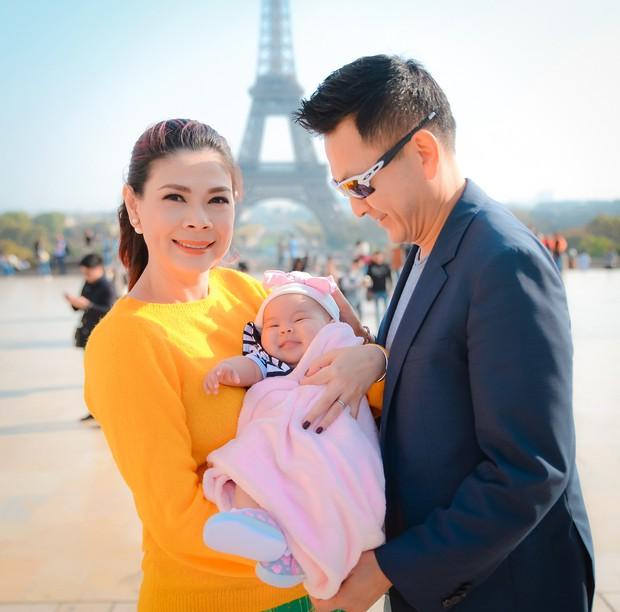 Thanh Thảo và ông xã đưa con gái chỉ mới 3 tháng tuổi đi du lịch châu Âu - Ảnh 3.