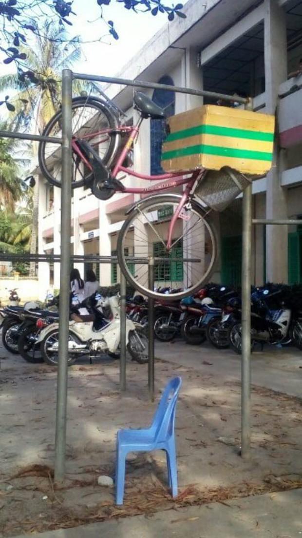 Trò đùa mới của học sinh bị lên án dữ dội: Giấu xe đạp của bạn học ở những nơi tìm cả ngày cũng không ra - Ảnh 11.