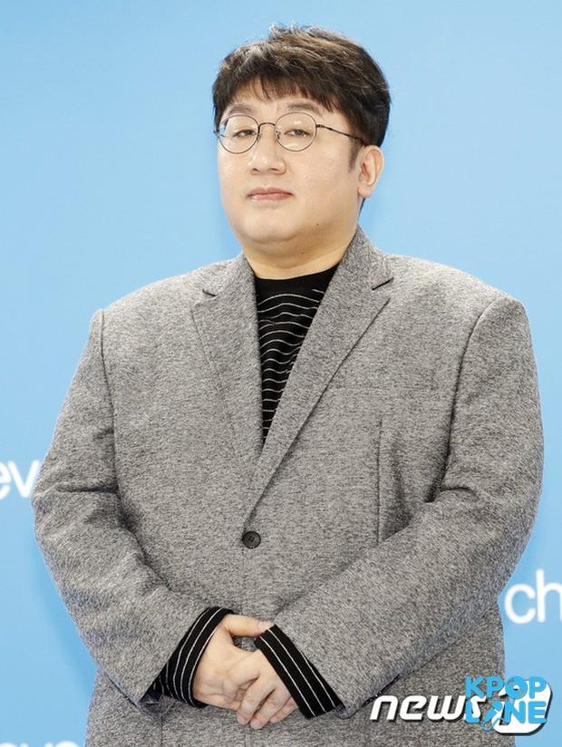 Trước khi tạo ra siêu sao BTS, CEO Big Hit đã từng thầm thương trộm nhớ TVXQ như thế nào - Ảnh 1.