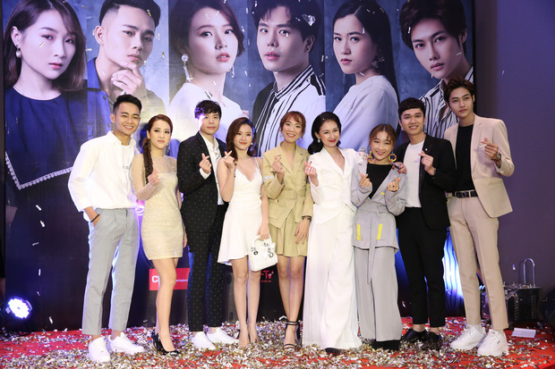 Midu đẹp rạng rỡ bên Trịnh Thăng Bình tại họp báo ra mắt dự án phim đầu tay do MC Quỳnh Chi sản xuất - Ảnh 5.
