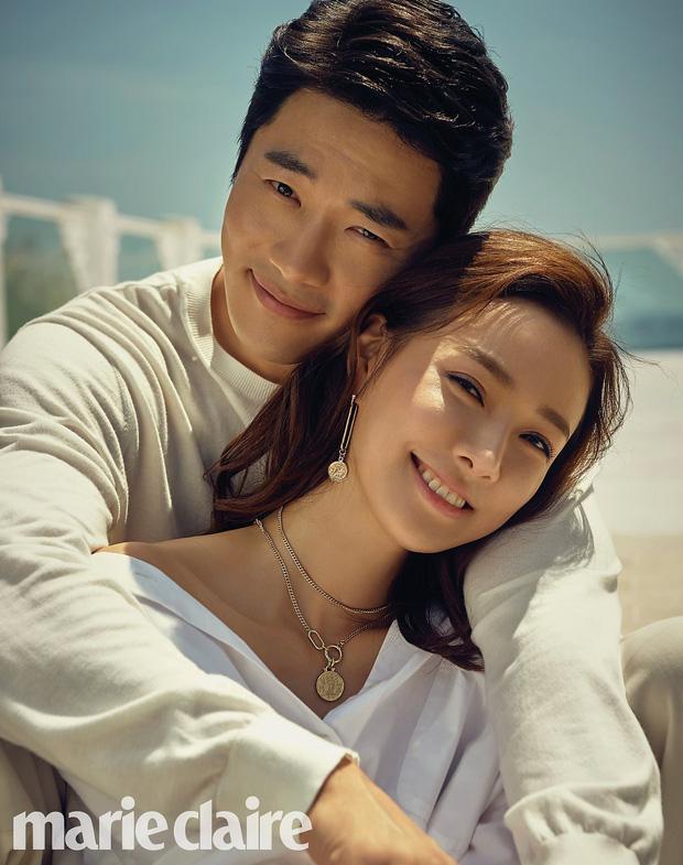 Ảnh kỷ niệm ngày cưới đẹp nhất xứ Hàn: Kwon Sang Woo, vợ Hoa hậu Hàn và 2 thiên thần sang như gia đình hoàng gia - Ảnh 4.